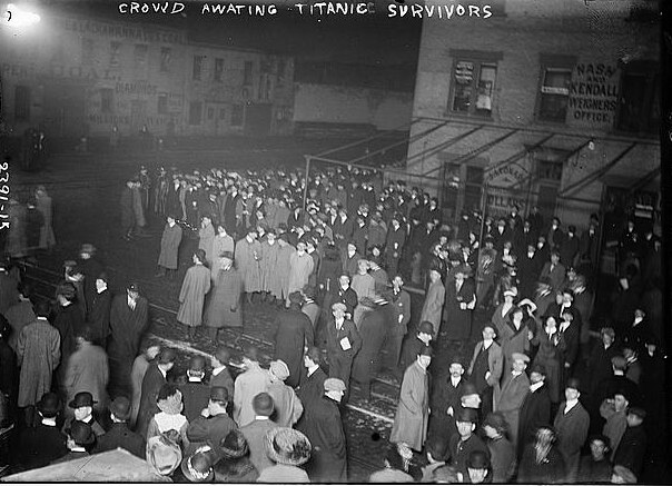 Crowd awaiting TITANIC survivors