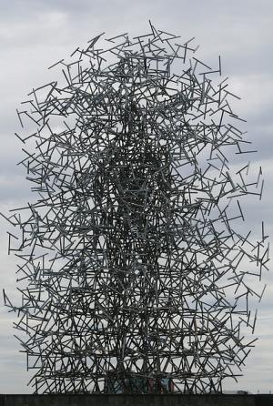 Antony Gormley's Quantum Cloud (Photo: Jelltex photostream)
