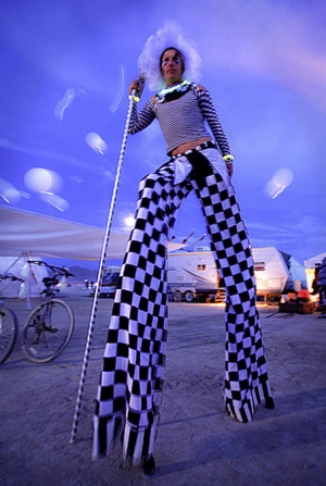 The photographer on stilts