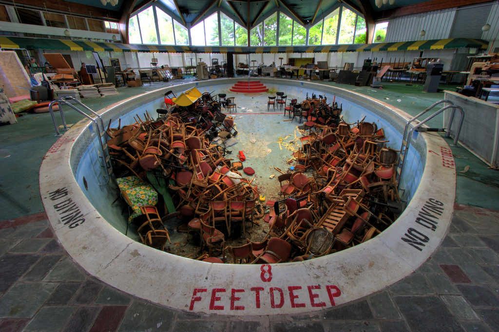 Best photo locations abandoned swimming pools for Disused swimming pools