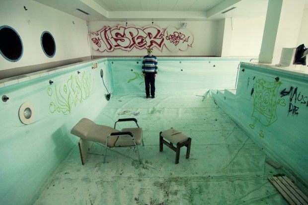ChaseJarvis_Locations_AbandonedPools_JulianRatel_AmyRollo