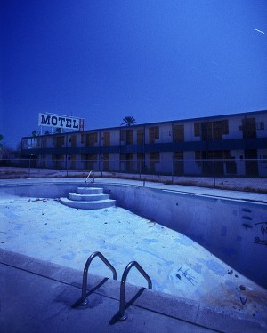 ChaseJarvis_Locations_AbandonedPools_TroyPaiva01_AmyRollo