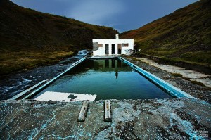 ChaseJarvis_Locations_AbandonedPools_hkvam_AmyRollo