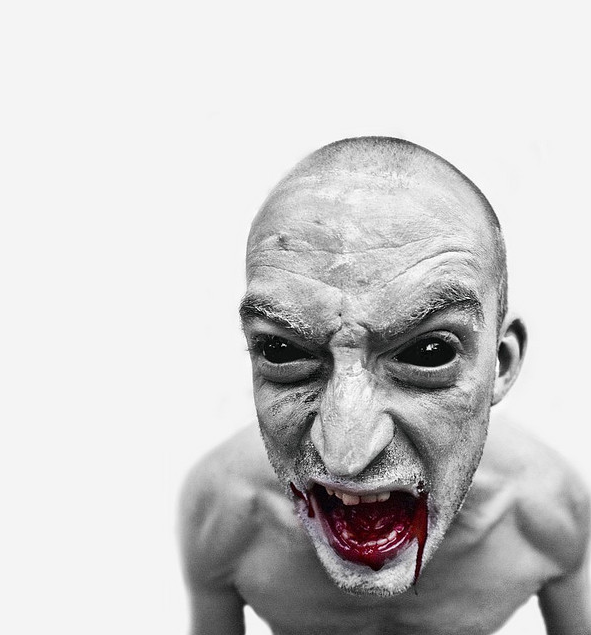 10 Zombie Photos that will Scare you Brainless