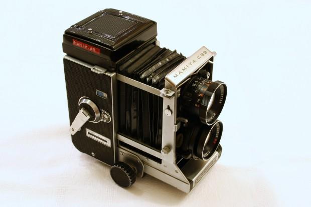 Mamiya C33 Professional. Image courtesy Rémi Kaupp/Wikipedia.
