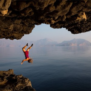 JimmyChin_HazelFindlayFall_Oman
