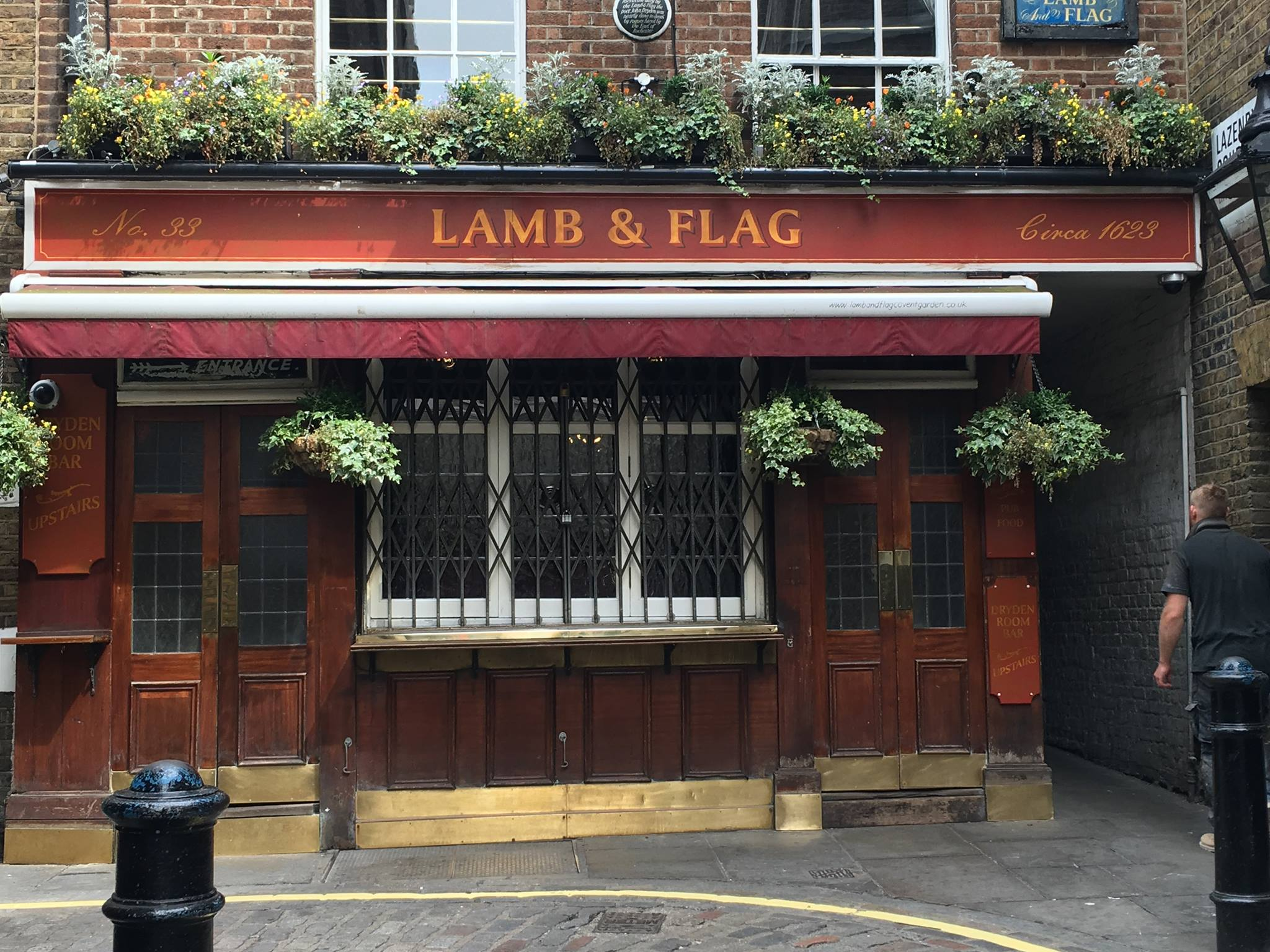 Lamb-and-Flag-Pub