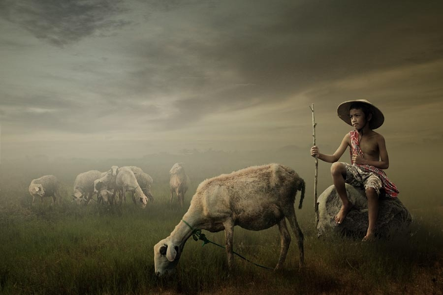 Surreal Indonesian Environmental Portraits Blur Photography + Painting